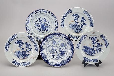 Tallrikar 10 st olika kina qianlong (1736-95) porslin.