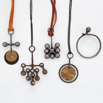 Bertil Vallien, bangle and necklaces, 5 pieces.