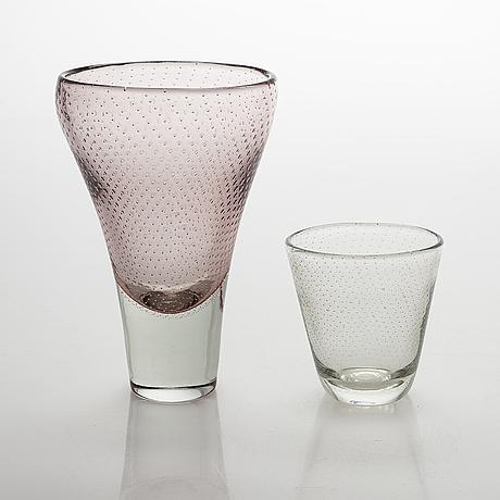 Gunnel nyman, two glass vases, etching pen signitures, nuutajärvi notsjö.