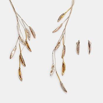 "Marja Suna, A sterling silver necklace and earrings ""Autumn leaves"". Kaunis koru/Kalevala Koru, Helsinki 1999."