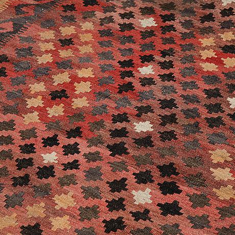 A carpet, kilim, ca 289 x 189 cm.