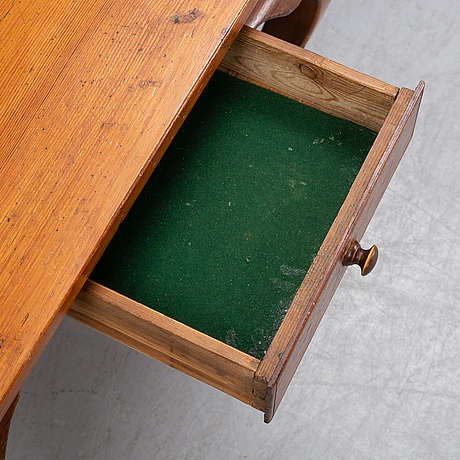 A pine table, 19/20th century.