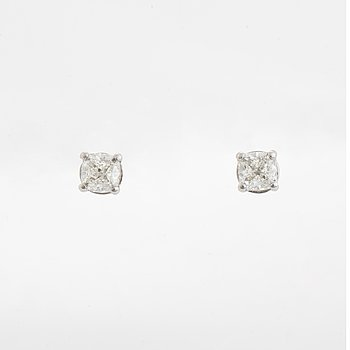 Cushion shaped diamond earrings, total 1,02 ct, with GIA dossier.