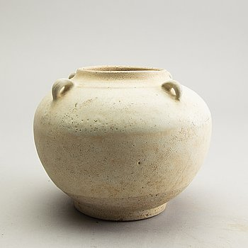 A white glazed South East Asian jar, presumably Sawankhalok, 15th Century.
