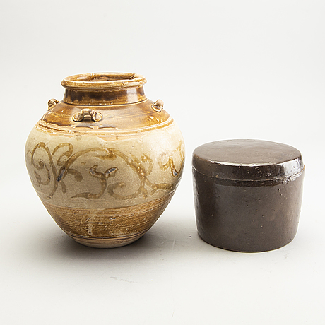 A south east asian jar and box with cover, possibly 16th/18th century.