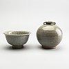 Vas samt skål, keramik. sydostasien, troligen sukothai, 1300/1500-tal.