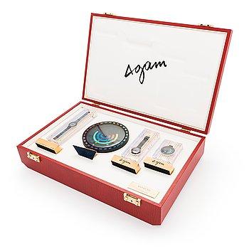 """Yaacov Agam, Movado, """"Rainbow"""", 2 st armbandsur, bordsur och fickur."""