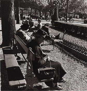 """231. Louis Stettner, """"Rond Point des Champs Elysées"""", 1951."""