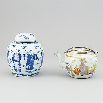 A Chinese tea pot with cover and a jar with cover, China, early 20th Century.
