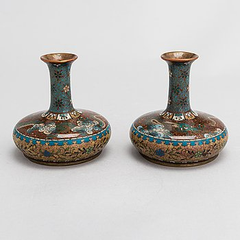 Two cloisonné enamelled vases, Japan around the turn of the 20th century.