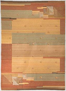 A 1930s flat weave carpet probably Greta Skogster-Lehtinen for Aaltosen Mattokutomo Kiikka, Finland. Circa 350x250 cm.