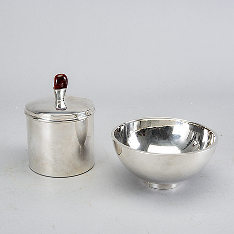 A bowl and box with lid silver mexiko later part of the 20th century.