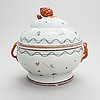 A famille rose porcelain soup tureen, qing dynasty, qianlong (1736-95).