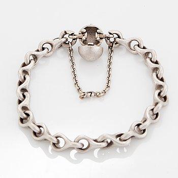 Ole Lynggaard, 18K white gold bracelet.