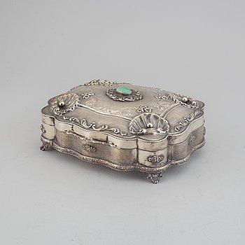 An Italian 20th century parcel-gilt silver 800 with jadeit Rococo style lidded box.