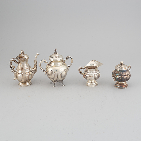 An italian silver 800 coffee-set, 3 pcs, and a lidded sugar bowl, palermo, 1944-1968.