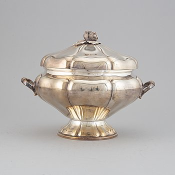 An Italian 20th century Rococo style silver 800 lidded terrine.