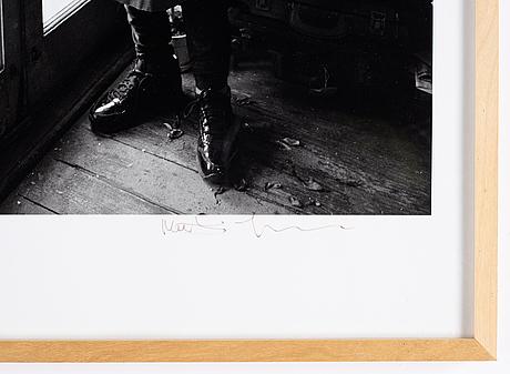 Mathias johansson, pigmentprint. signerad samt stämpelnumrerad 99/100 a tergo.