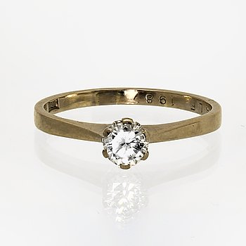 Ring 18K whitegold 1 brilliant-cut diamond 0,49 ct engraved, TW VVS valuation 1987, Guldsmedscentrum Gothenburg 1973.
