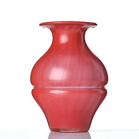 Simon gate, a glass vase, orrefors 1917.