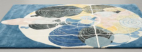 "Hilma af klint, a carpet, ""group iii, no 5, the large figure paintings"", 10/30, hand tufted, ca 201 x 162,5 cm."
