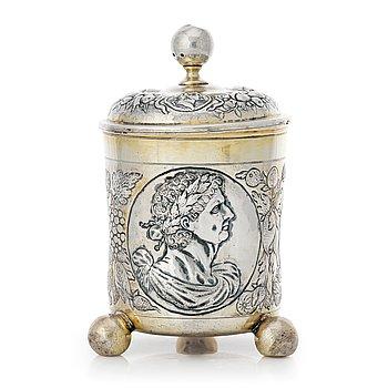 139. A German Baroque parcel-gilt silver cup and cover, mark of Johann I Drentwett, Augsburg 1695-1700.