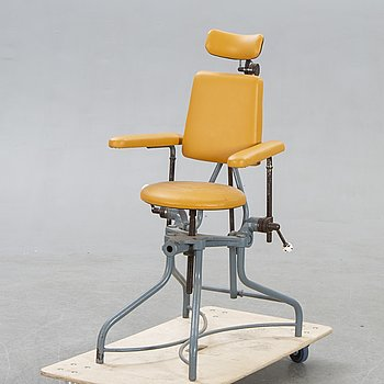 A dentist chair first half of the 20th century.