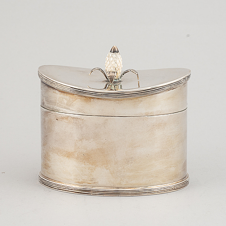 A portuguese 20th century silver box.
