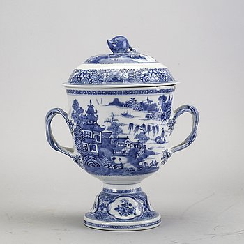 A Chinese 19th century porcelain urn with lid.