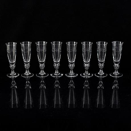 A set of 8 champagne glasses 'antik', reijmyre.