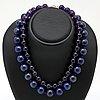 2 collier lapis lazuli ca ca 16mm och ametist ca 12 mm, glaskulor, längder ca 43 och 47 cm, lås i metall.