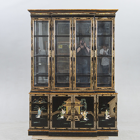 A chinese 20th century display cabinet.