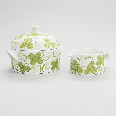 Birger kaipiainen, a 41 pcs 'clover' porcelain dish. arabia, finland.
