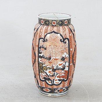A Japanese porcelain Imari floor urn around  1900.