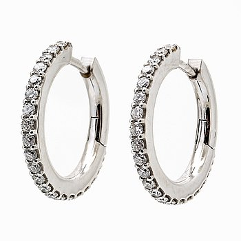 Ole Lynggaard earrings, 18K gold with 42 brilliant-cut diamonds 0,42 ct in total, TW VS, diameter 16 mm.