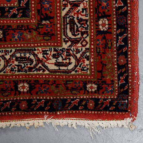 A carpet, semi-antique, serabend, ca 324 x 247 cm.