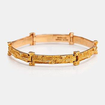 """Björn Weckström, A 14K gold bracelet """"Tundra"""". Lapponia 1973."""