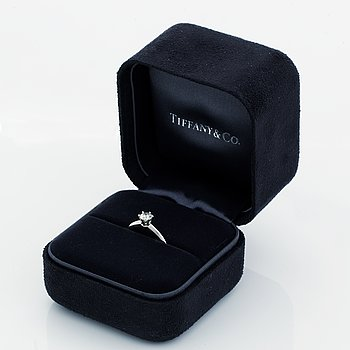 Tiffany & Co, Brilliant-cut diamond ring, 0,40 ct, with certificate.