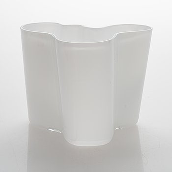 Alvar Aalto, A Savoy Glass Vase, signed Alvar Aalto - 3030.