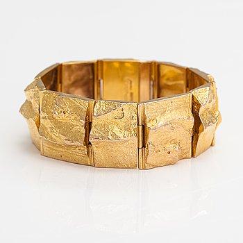 "Björn Weckström, A 14K gold bracelet ""Golden stream"". Lapponia 1970."