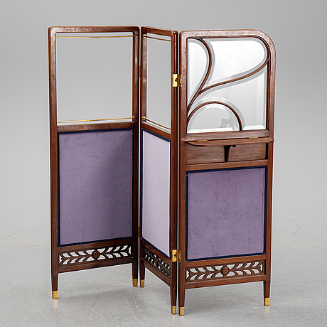 An early 20th century folding screen.