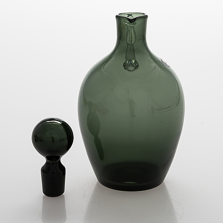 Saara hopea, a glass carafe and eight drinking glasses, nuutajärvi, finland. design years 1959 and 1958.