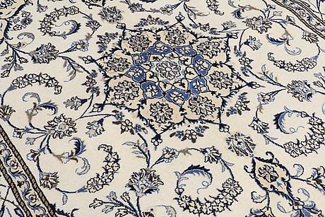 A rug, nain, ca 245 x 196 cm.