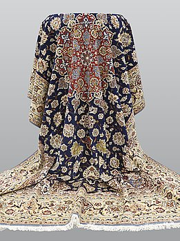 A carpet, Esfahan part silk, ca 360 x 242 cm.