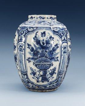 1397. A Dutch faience jar, Delft, second half of 17th Century.