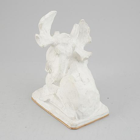Jussi mäntynen, sculpture, plaster. signed. h: 22 cm, l: 20 cm.