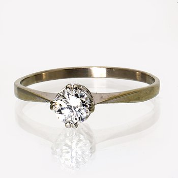 Ring 18K whitegold 1 brilliant-cut diamond approx 0,35 ct, G Dahlgren & Co Malmö.