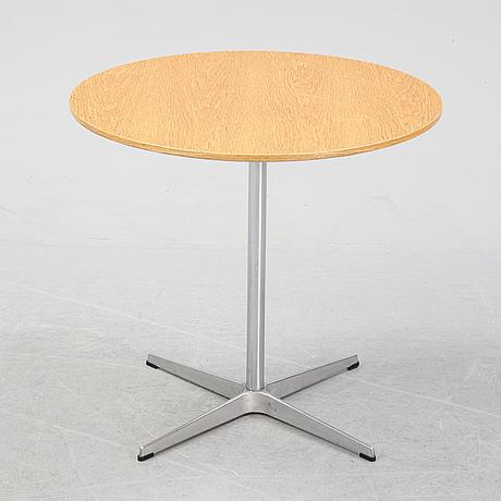 "Arne jacobsen, bord, ""a622"", fritz hansen, danmark, 2008."