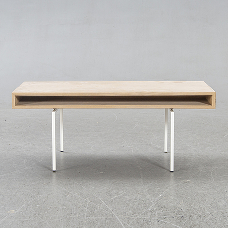 Coffee table, contemporary.