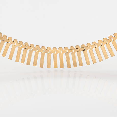 An 18k gold necklace. vicenza, italy mid 20th century.